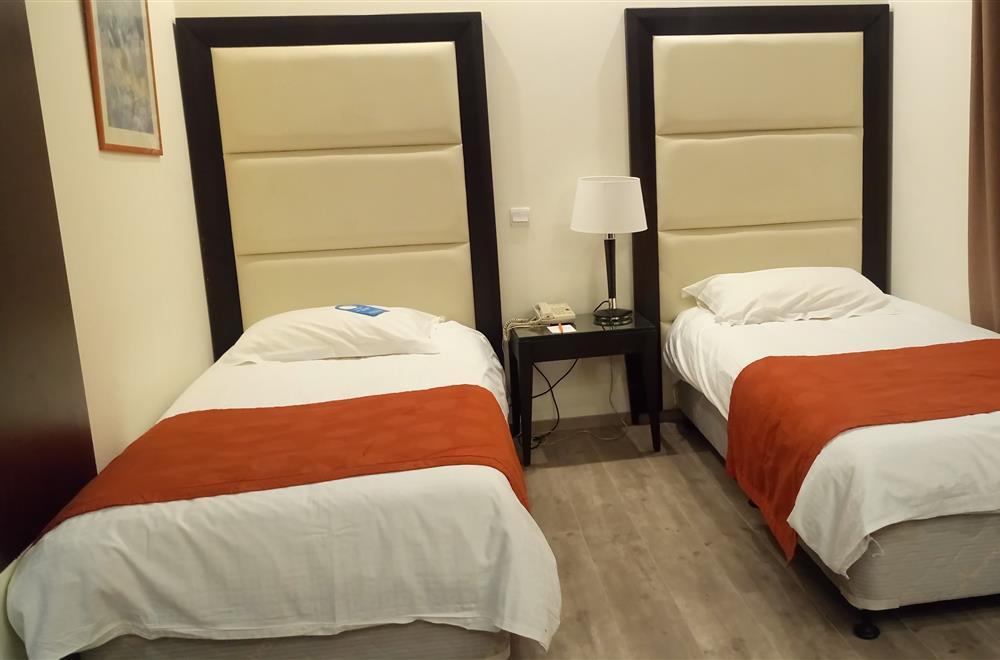 Bedroom Twin