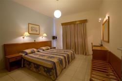 Kefalos Damon Hotel Apartments Bedroom