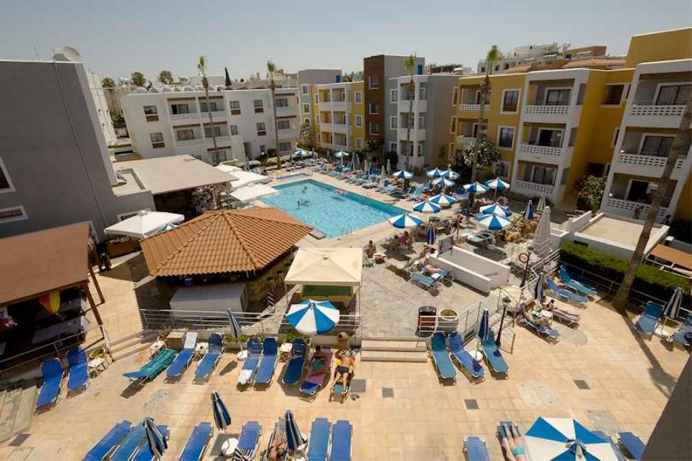 Kefalos Damon Hotel Apartments Pool Area