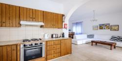 3 bedroom vila SV kitchen