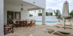 4 Bedroom villa pool area