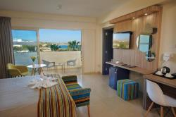 Executive Suite with Sea View & Spa Bath