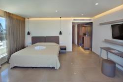 Luxury Suite with Sea View & Indoor Outdoor Spa Ba