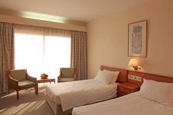 Mini Kühlschrank Zimmer : Poseidonia beach hotel limassol bookcyprus.com