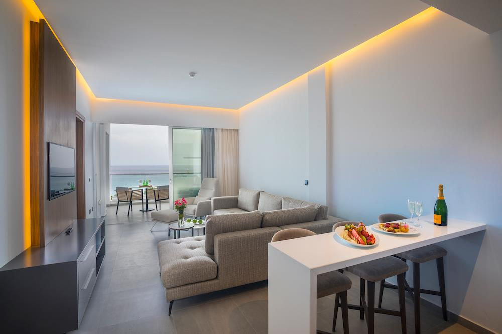 Elite-Floor-Executive-Sea-View-Suite