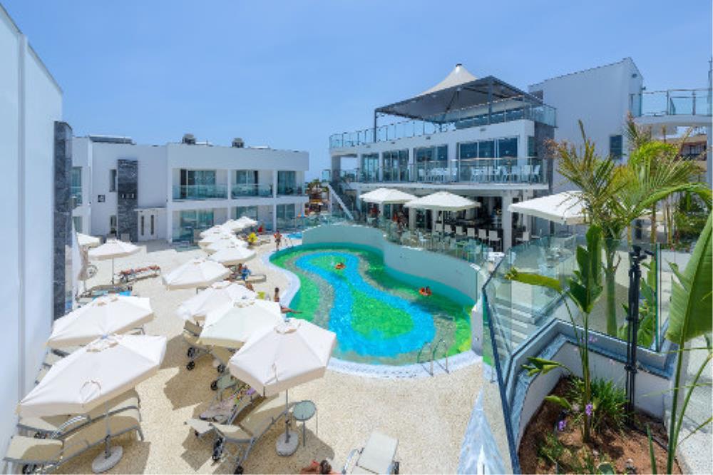 Atlantica Oasis Hotel Pool & Sunbeds
