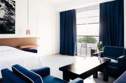 Almyra Junior Suite