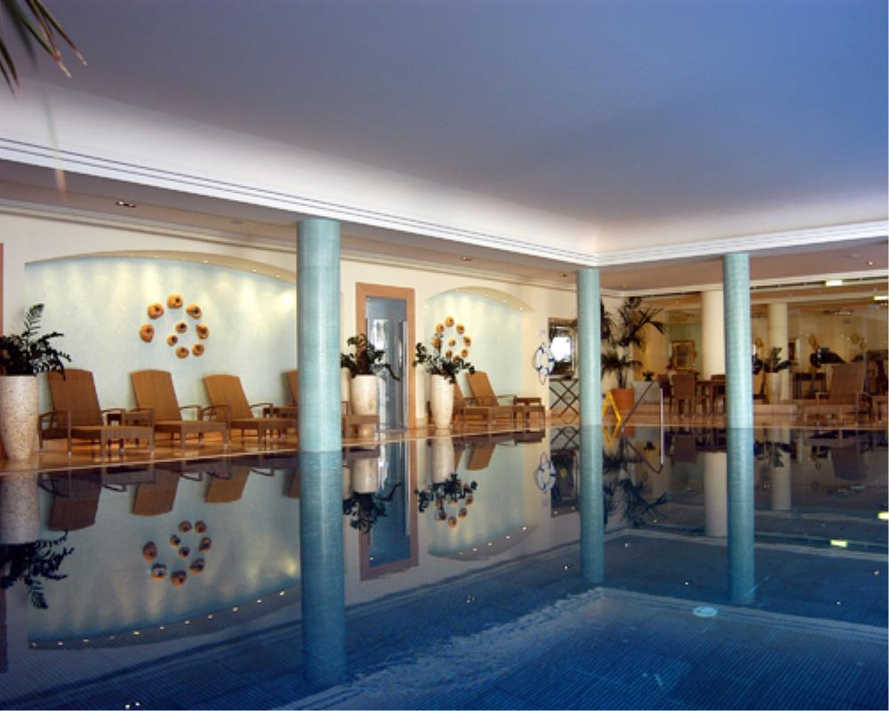 Intercontinental Aphrodite Hills Resort Indoor Pool