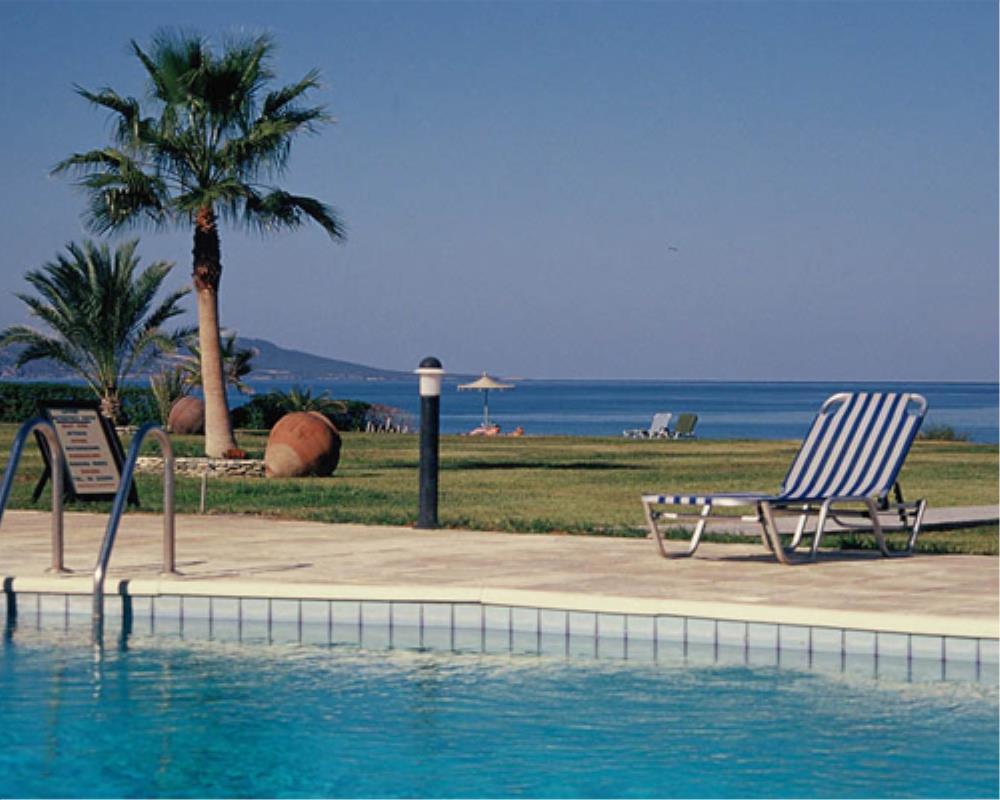 Pool at Natura Beach Villas