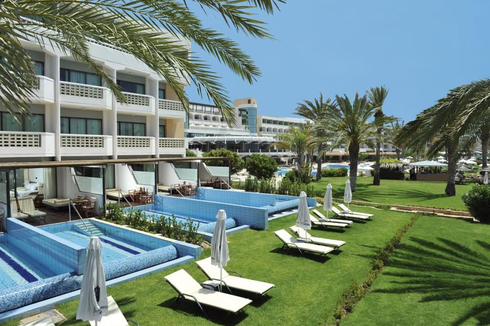 10-ATHENA-BEACH-HOTEL-JUNIOR-SUITES-WITH-PRIVATE-P