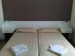 Hilltop Gardens Hotel Apartments Bedroom