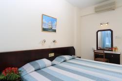 Mini Kühlschrank Für Schlafzimmer : Jacaranda hotel apartments protaras bookcyprus.com