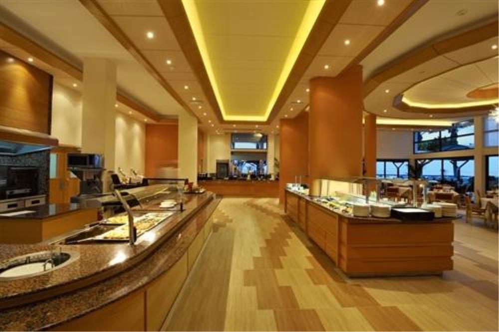 Pioneer Beach Hotel - Regina Restaurant