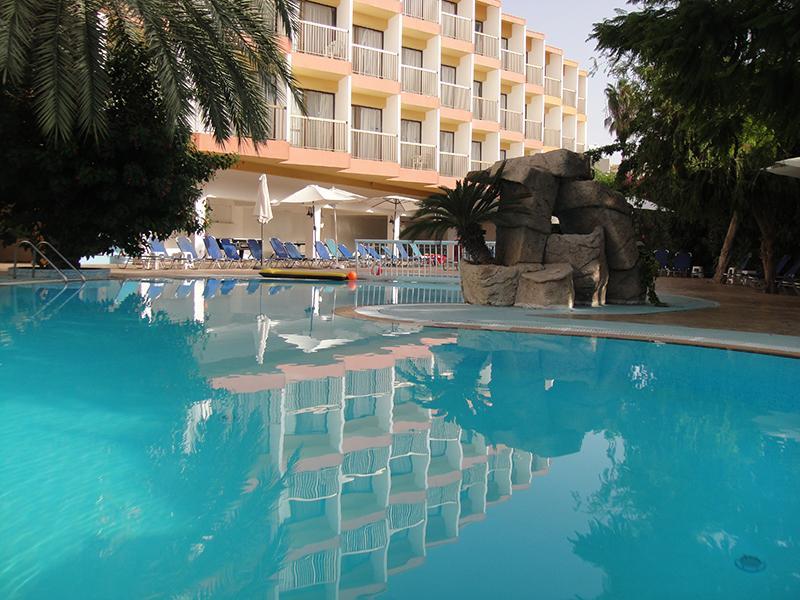 Panoramic Pool View