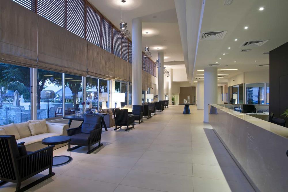 Lobby-2-1