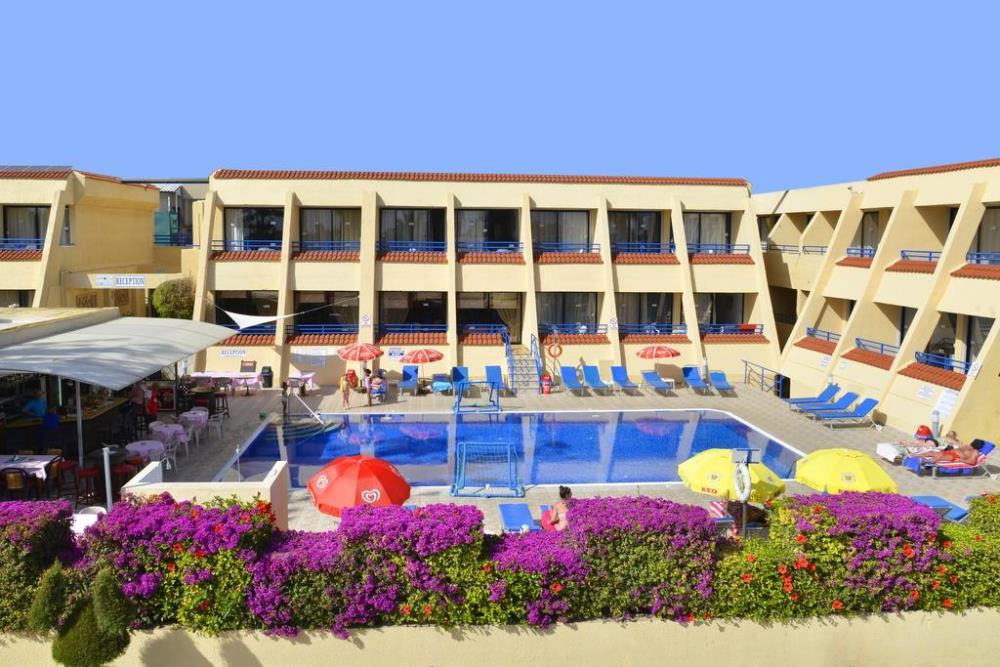 Apartements & Swimming Pool