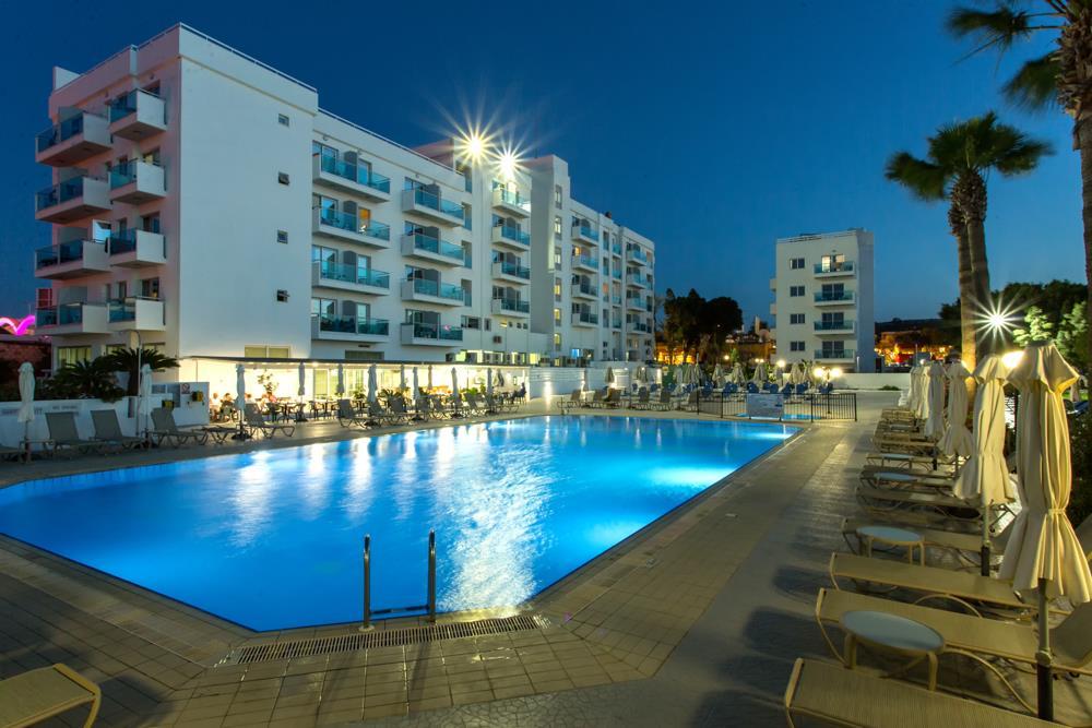 4.Swimming Pool