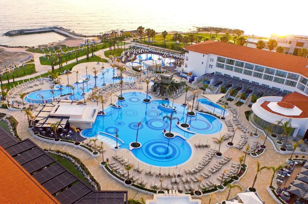 Olympic Lagoon Resort Paphos (Paphos) |