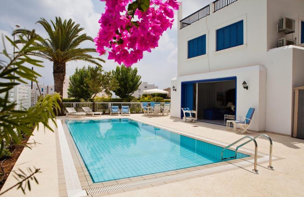 Capo Bay Villa Swimming-Pool