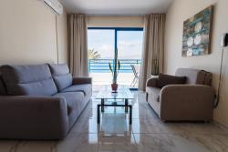 Superior One-Bedroom Apartment with Sea View3