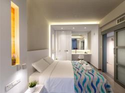 One bedroom garden view suite - bedroom 1 suite - bedroom 1