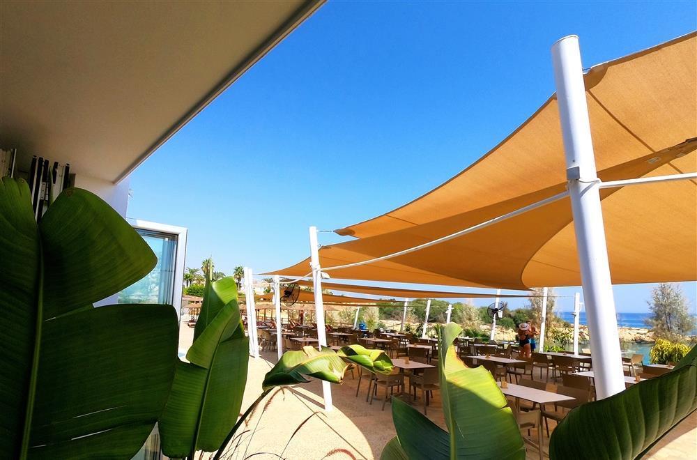 Sea View restaurant & bar