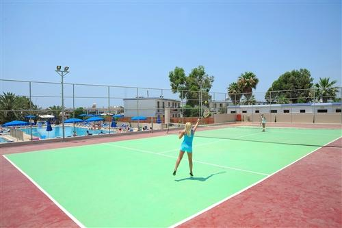 Euronapa Hotel Apartments Tennis Courts