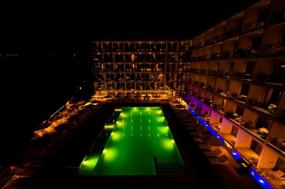 eleana-hotel-night-5