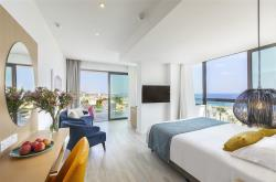 Leonardo Crystal Cove Hotel & Spa