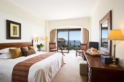 Deluxe Bedroom with Inland View