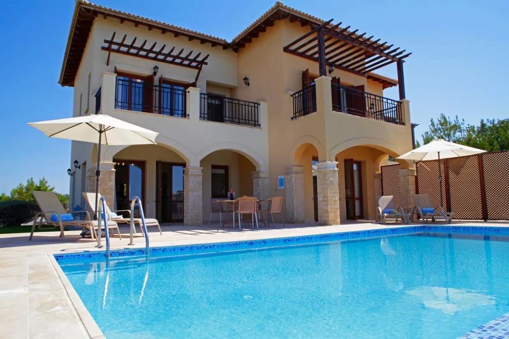 2 Bedroom Villa pool