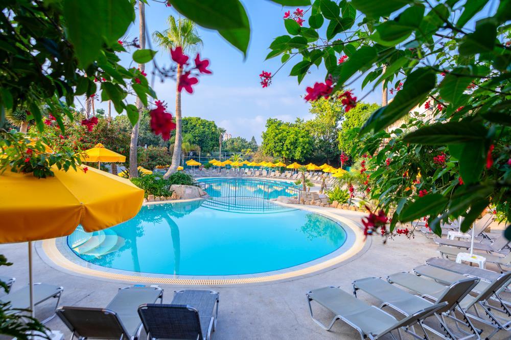 Mayfair Gardens Pool