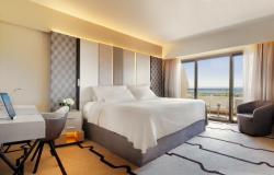 FourSeasonsCyprus_Guestroom (1)