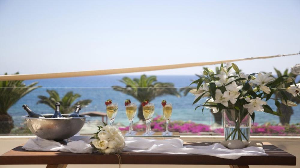 Weddings-at-Alion-Beach-Hotel_Thea-Lounge-1JPG-102