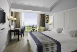 Deluxe Room Inland View