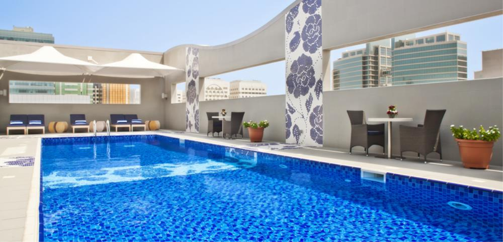 Oaks Liwa Executive Suites Pool