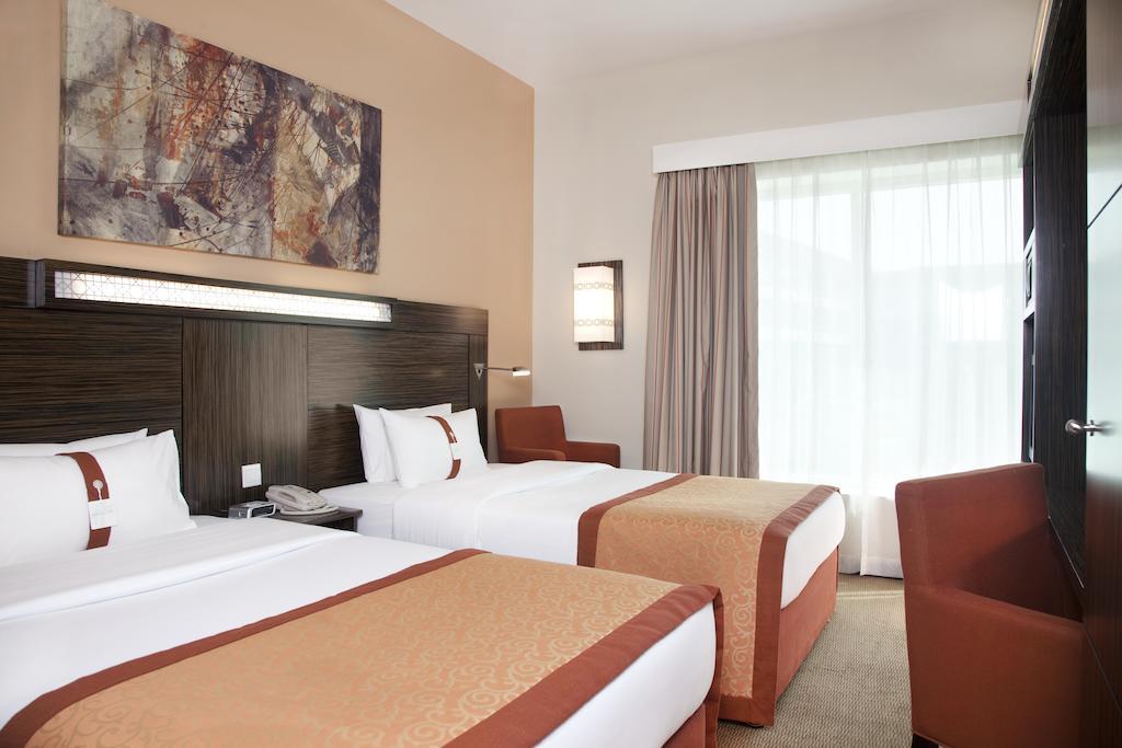 Holiday Inn Express Dubai Safa Park Dubai Bookdubai Com