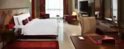 jumeirah-creekside-hotel-superior-room-hero (1)