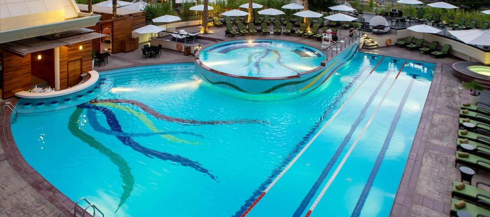 jumeirah-creekside-hotel-the-aviation-club-pool-he
