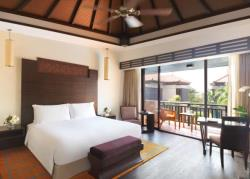 ADPJ_Premier-Lagoon-View-Room_Bedroom_02_WG_A_L-AD