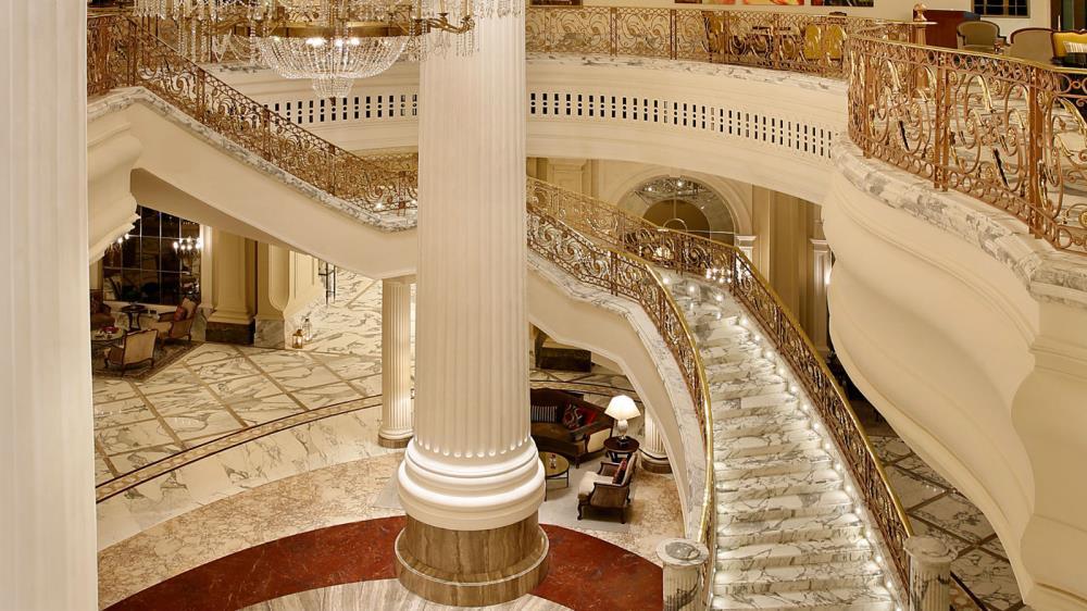 St-Regis-Dubai-Hotel---Main-Lobby---Aerial-View