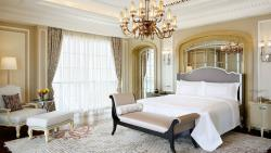 St-Regis-Dubai-Hotel---Royal-Suite-----Bedroom