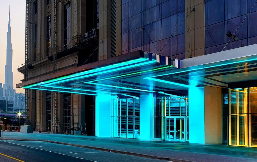 V-Hotel-Dubai-Curio Collection-by-Hilton-Main-Entr