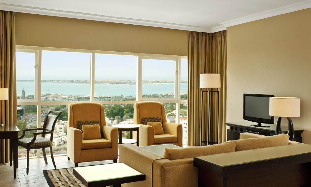 4 - Executive Suite