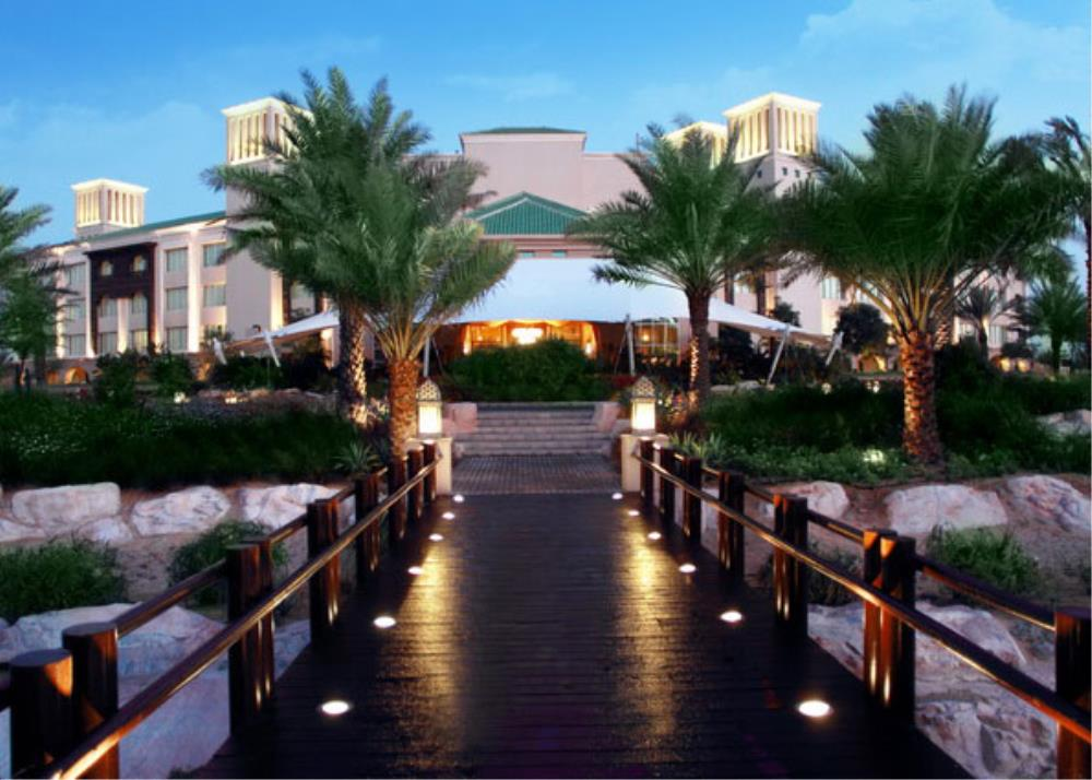 Desert_Islands_by_Anantara_Abu_Dhabi_entrance-DSI_
