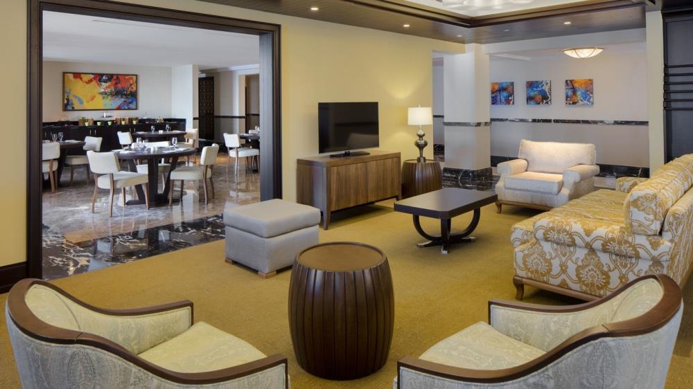 27_Sheraton-Club-Lounge-1600x900