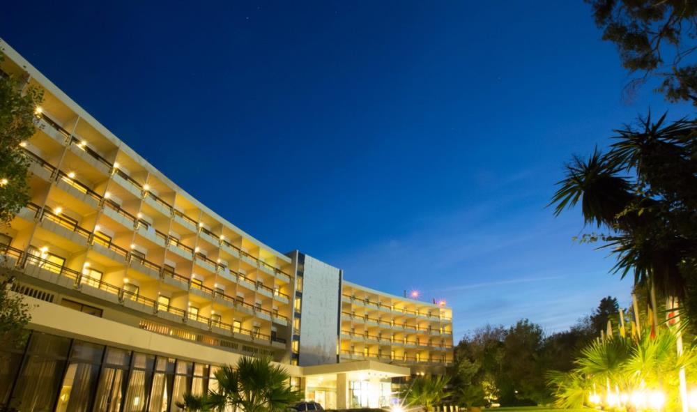 HOTEL-GROUNDS-11-1170x692