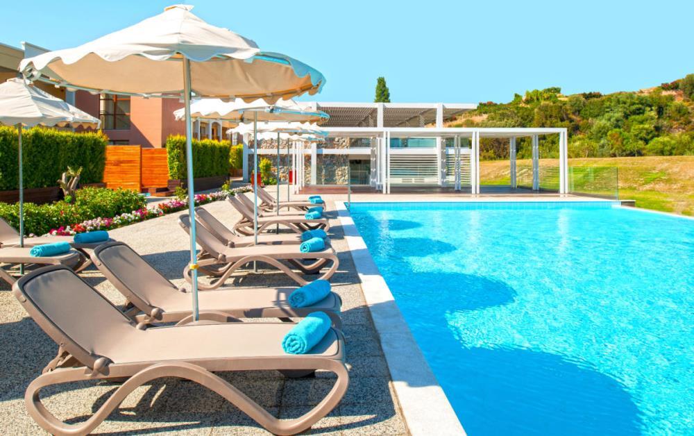 3rd-Swimming-Pool-Area (1)