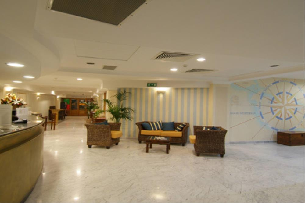 Porto Azzurro Studios Reception