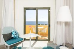 Deluxe Queen Room Sea View2